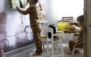mesa de niños Montessori